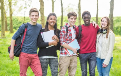 Étudiant(e)s, salarié(e)s, employeurs, des contrats d'apprentissage peuvent encore se signer jusqu'au mois de Décembre 2017 !